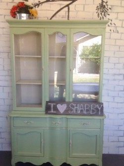 SOLD !!! French Provincial style China hutch