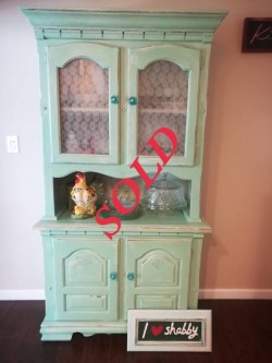 SOLD !!!!!Vintage China hutch